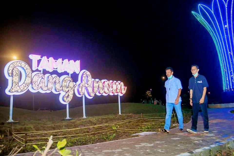 Resmikan Taman Lampu Dang Anom Hmr Gemerlapkan Objek Wisata Batam Kala Malam