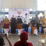 HMR dan Marlin Salurkan Bantuan 7,7 Ton Beras PPKM untuk 7.736 KPM di Sagulung